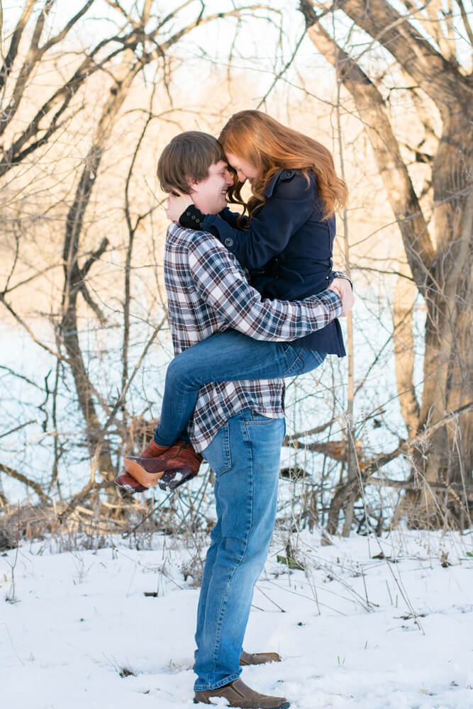 winter engagement picture - Emily and Dez - Fargo Engagement