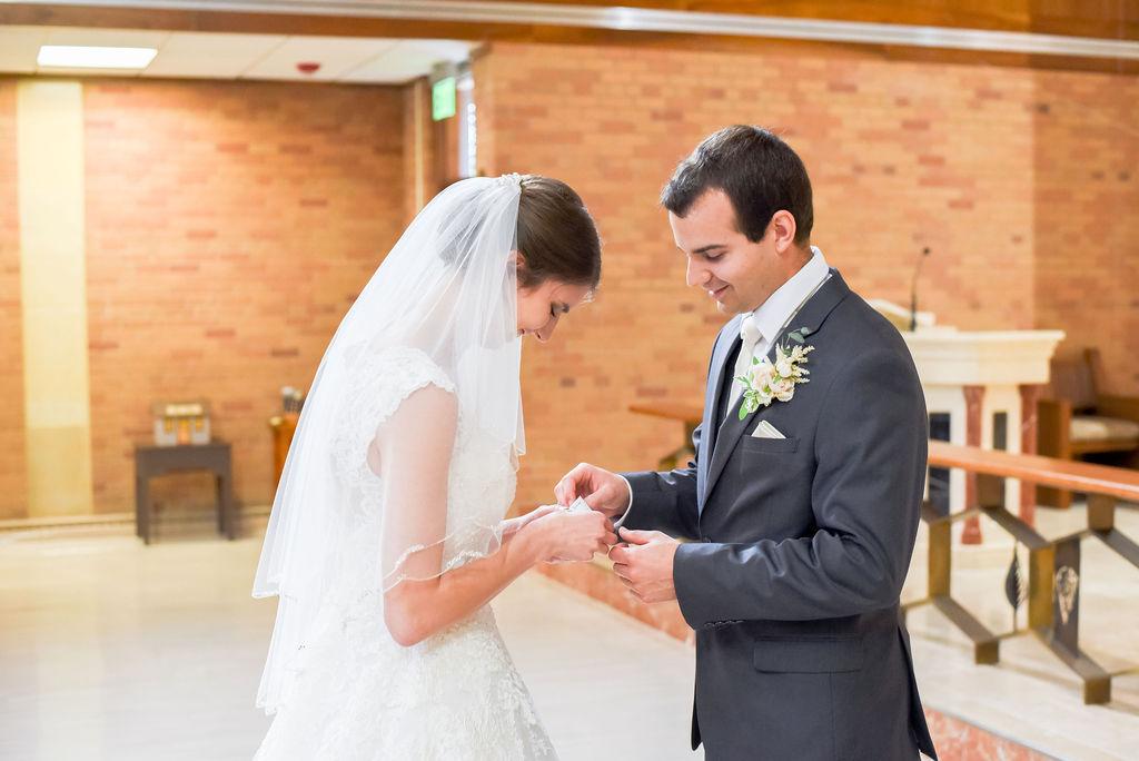 DSC 2973 - Kenny and Bethany - Catholic Bismarck Wedding