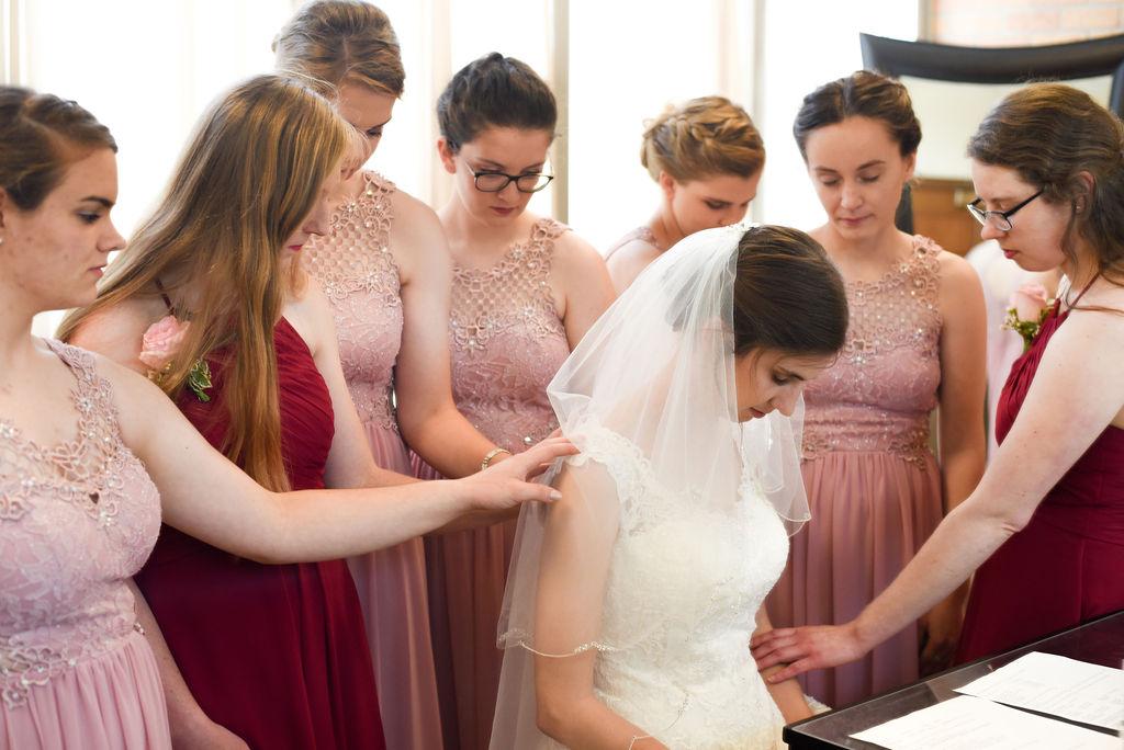 DSC 3590 - Kenny and Bethany - Catholic Bismarck Wedding