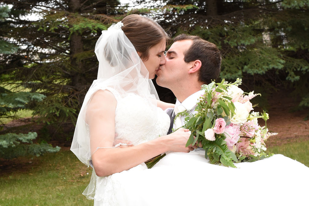 DSC 4382 - Kenny and Bethany - Catholic Bismarck Wedding