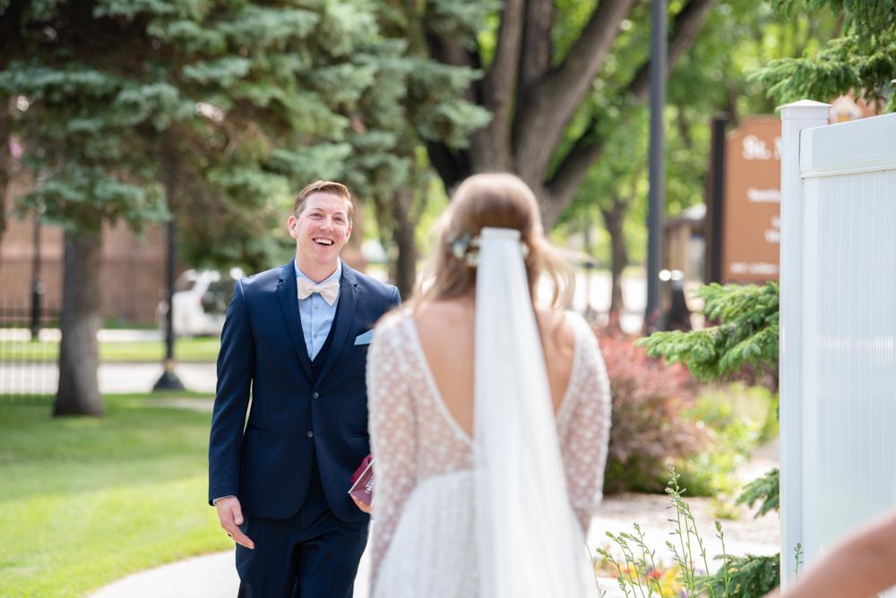 Cathedral Of St. Mary's Fargo North Dakota    Fargo North Dakota Wedding Photographer    Catholic Wedding Photography