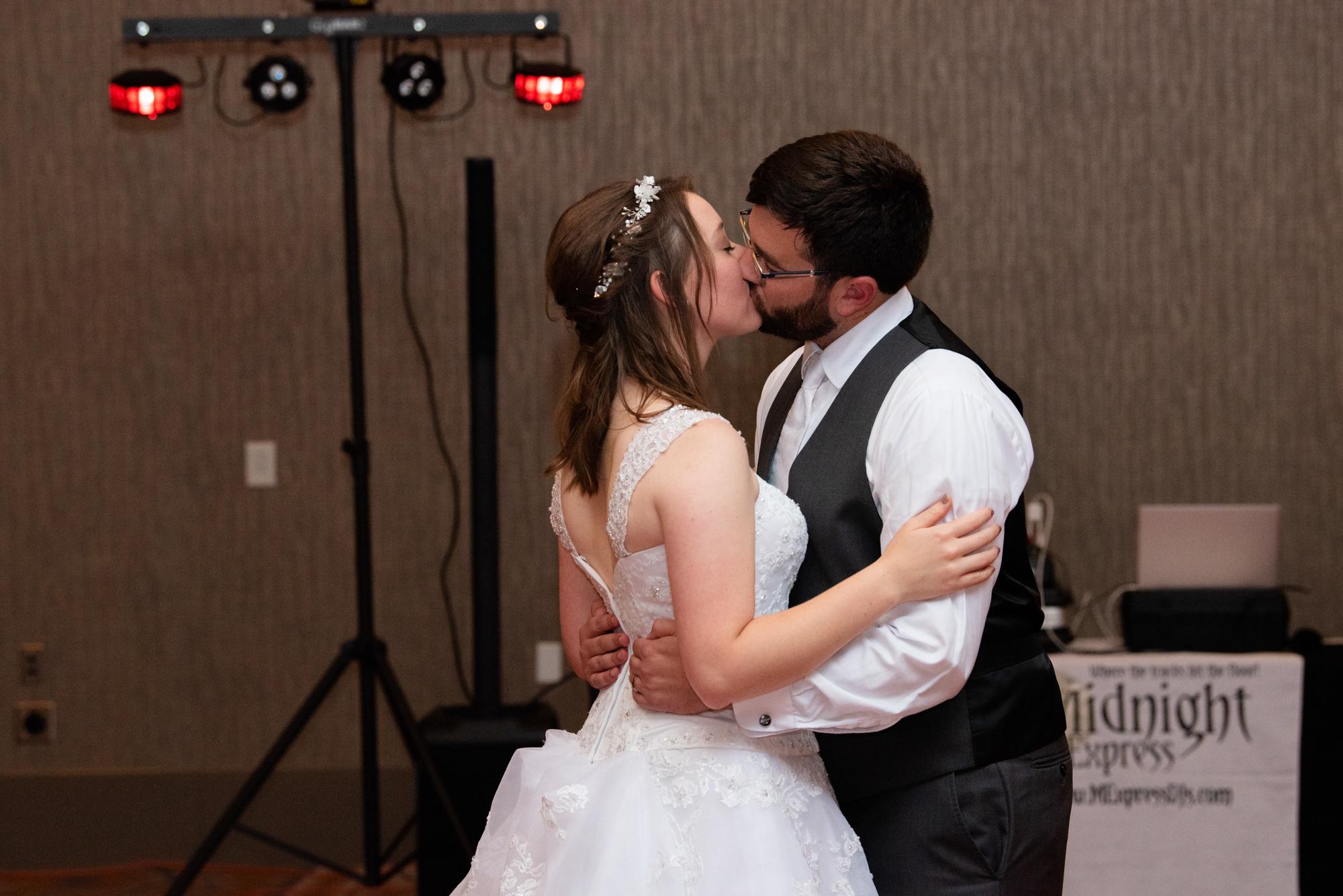 DSC 9101 - Emma and Chris | Fargo Wedding